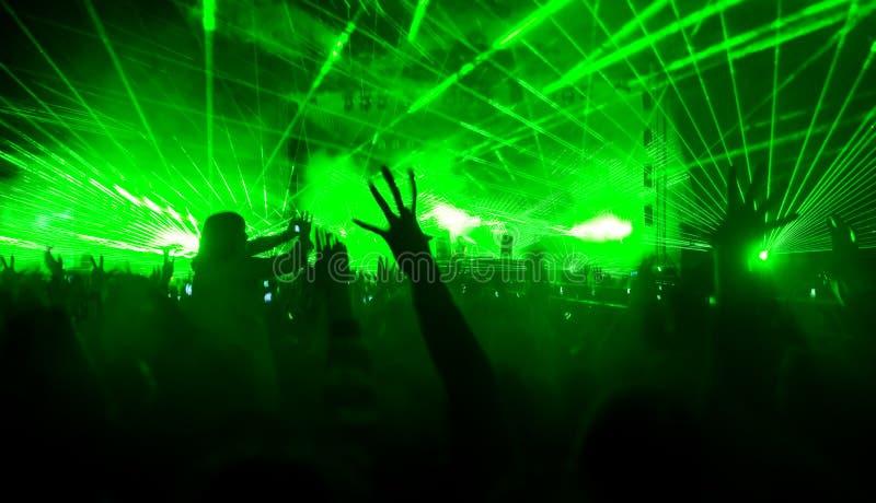 Demostración del laser en el concierto imagen de archivo libre de regalías