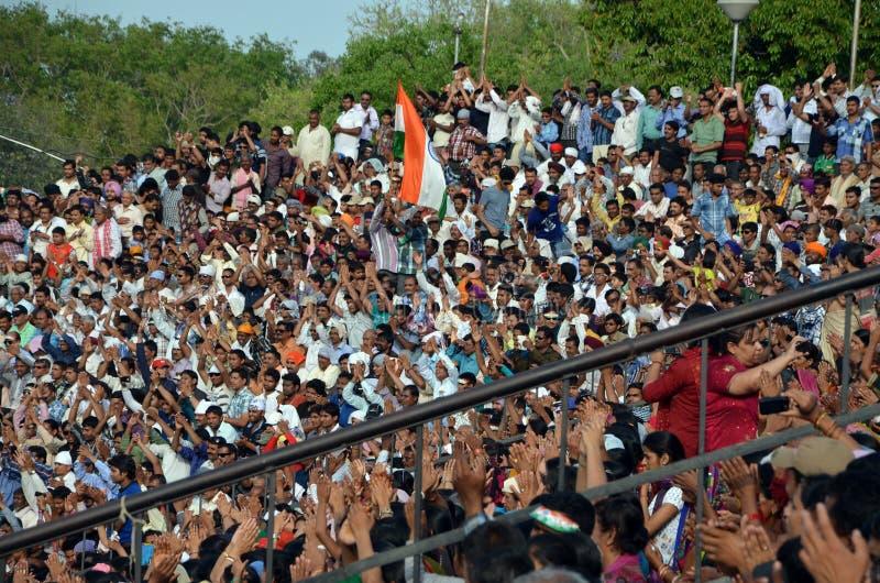 Demostración diaria en la frontera de Indio-Paquistán Wagah en Amritsar foto de archivo