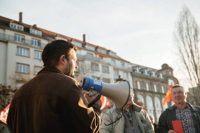Demostración francesa contra el estado de emergencia del gobierno imagenes de archivo