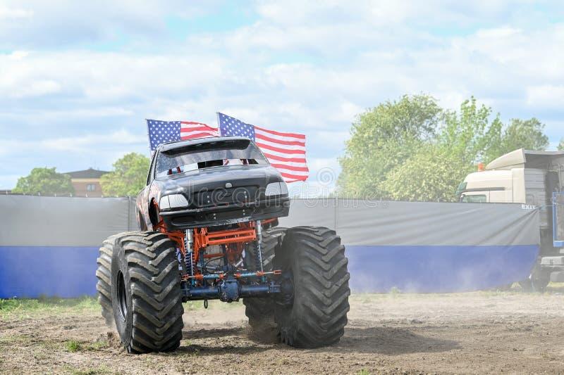 Demostraci?n del monster truck fotos de archivo