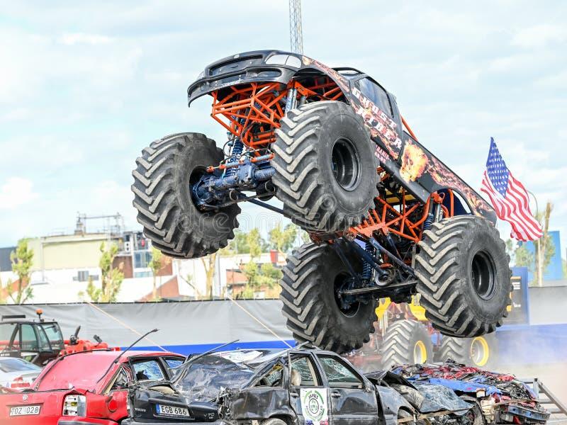 Demostraci?n del monster truck foto de archivo libre de regalías