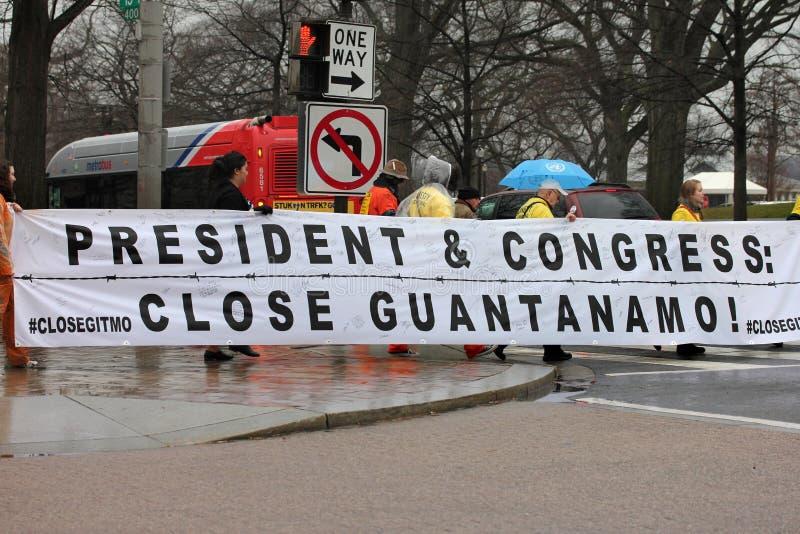 Demostraciones cercanas de Guantánamo fotografía de archivo