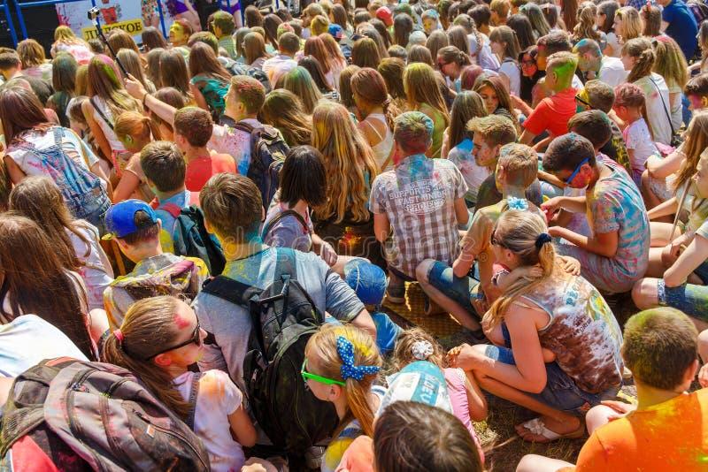 Den årliga festivalen av färger ColorFest arkivbild