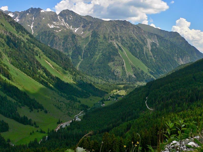 Österrikisk Alps-dal Weisspriachtal arkivfoto