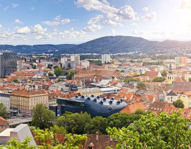 Den österrikiska staden Graz royaltyfri fotografi