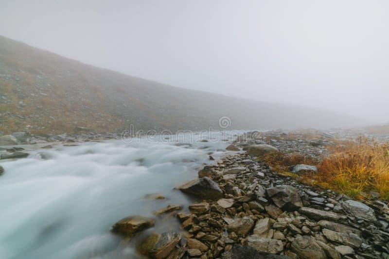 Den Akkem dalen i naturliga Altai berg parkerar arkivbild