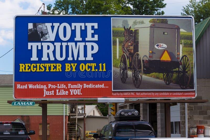 Den Amish affischtavlan röstar trumf royaltyfria bilder