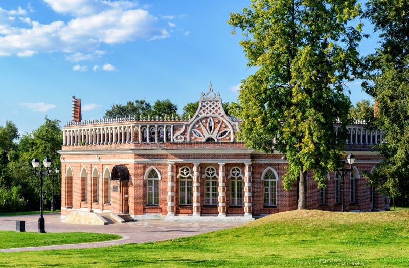 Den andra kavallerikåren av Catherine Palace i Tsaritsyno, royaltyfria foton