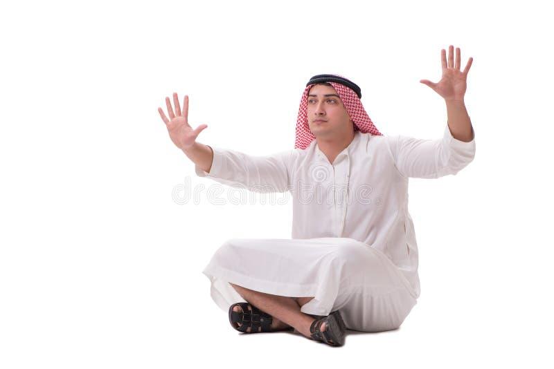 Den arabiska affärsmannen som isoleras på vit bakgrund arkivbilder