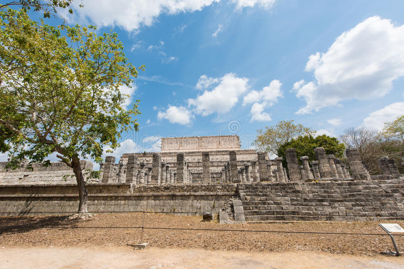 Den arkeologiska platsen av det forntida Mayan fördärvar, Chichen Itza, Mexico arkivfoto