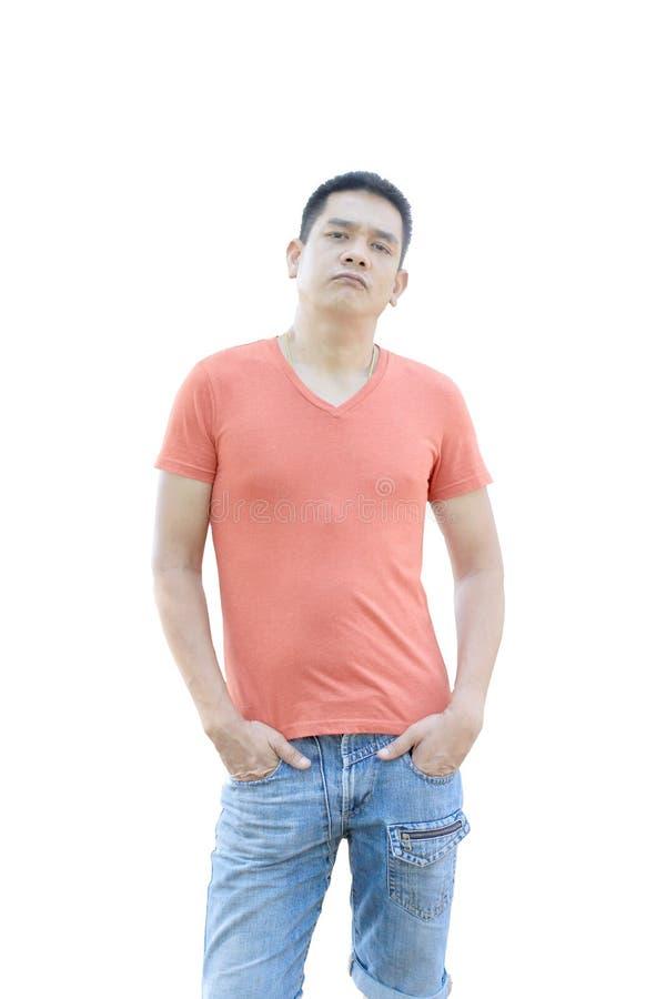 Den asiatiska mannen står på vit bakgrund royaltyfri fotografi