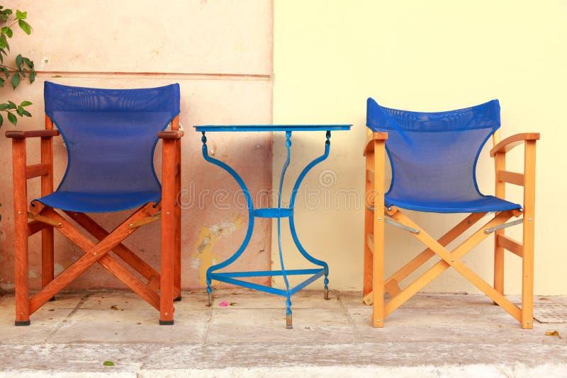 den athens cafen chairs tabeller fotografering för bildbyråer