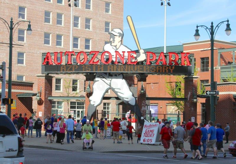 Den auto zonen parkerar hem av Memphis Redbirds Baseball Team arkivbilder