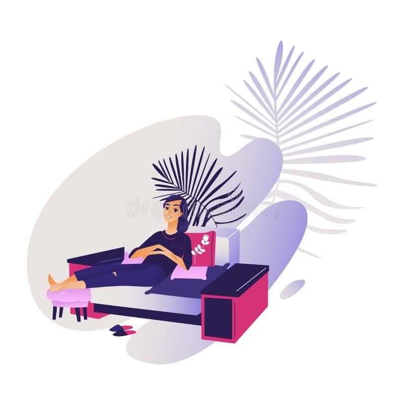 Den avkopplade unga le kvinnan som tycker om, vilar sammanträde på den bekväma soffan royaltyfri illustrationer
