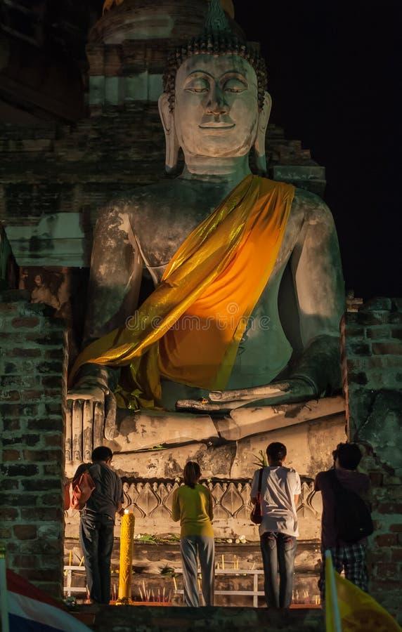 den ayutthayabuddha framsidan har leendewatyaichaimongkol arkivbilder