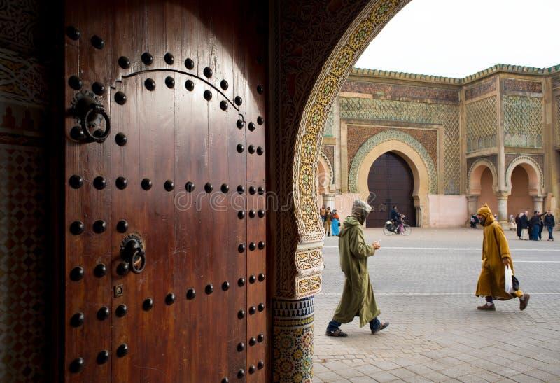 Den Bab Mansour porten i Meknes, Marocko fotografering för bildbyråer