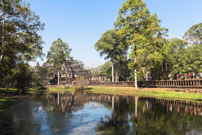 Den Baphuon templet på Angkor Wat Thom, Cambodja royaltyfria bilder