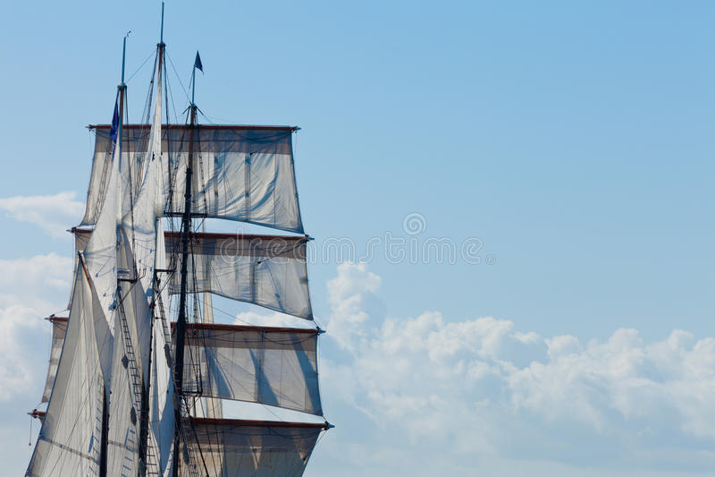 Den Barquentine yachten seglar och riggingbakgrund arkivfoton