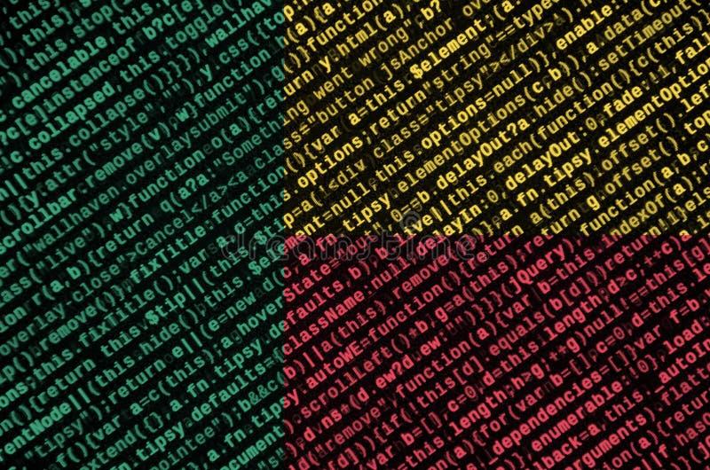 Den Benin flaggan visas på skärmen med programkoden Begreppet av modern teknologi- och platsutveckling arkivbild