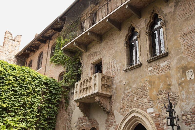 Den berömda balkongen av Juliet och romeo, Verona fotografering för bildbyråer