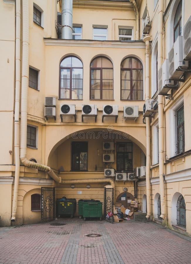 Den berömda fyrkantiga borggården arkivbilder