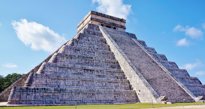 Den berömda Mayan pyramiden av Chichén Itzà ¡, arkivbild