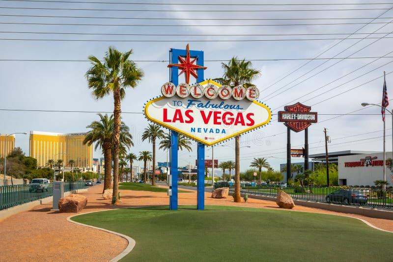 Den ber?mda v?lkomnandet till det sagolika Las Vegas tecknet USA royaltyfria bilder