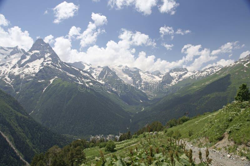 In den Bergen auf Dombai stockbild