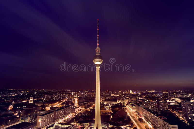 Den Berlin TV:N står hög arkivbild