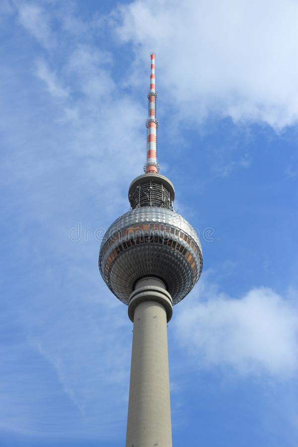 Den Berlin TV:N st?r h?g arkivfoton