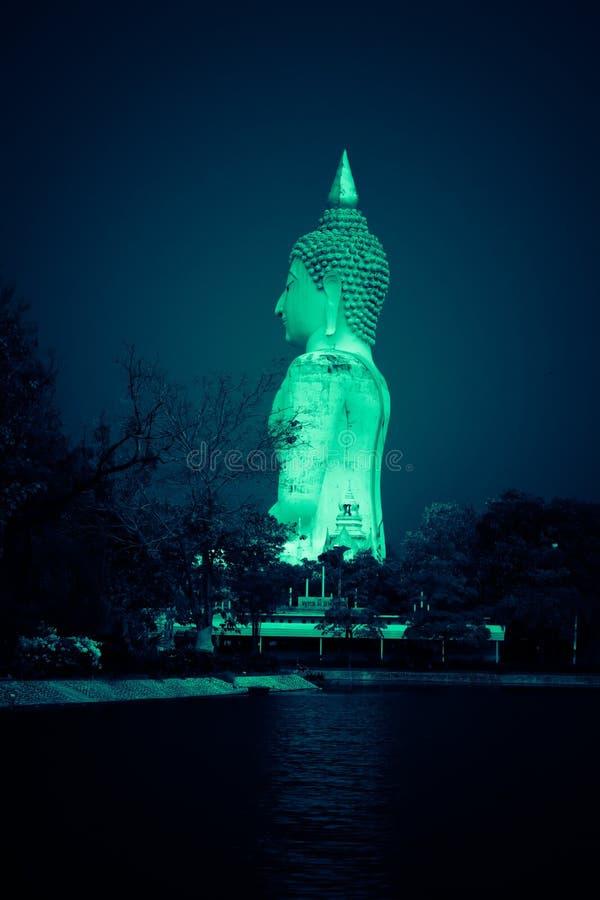 Den blåa auran av Buddha royaltyfria foton