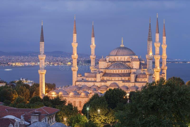 Den blåa moskén på skymning, Istanbul kalkon arkivbilder