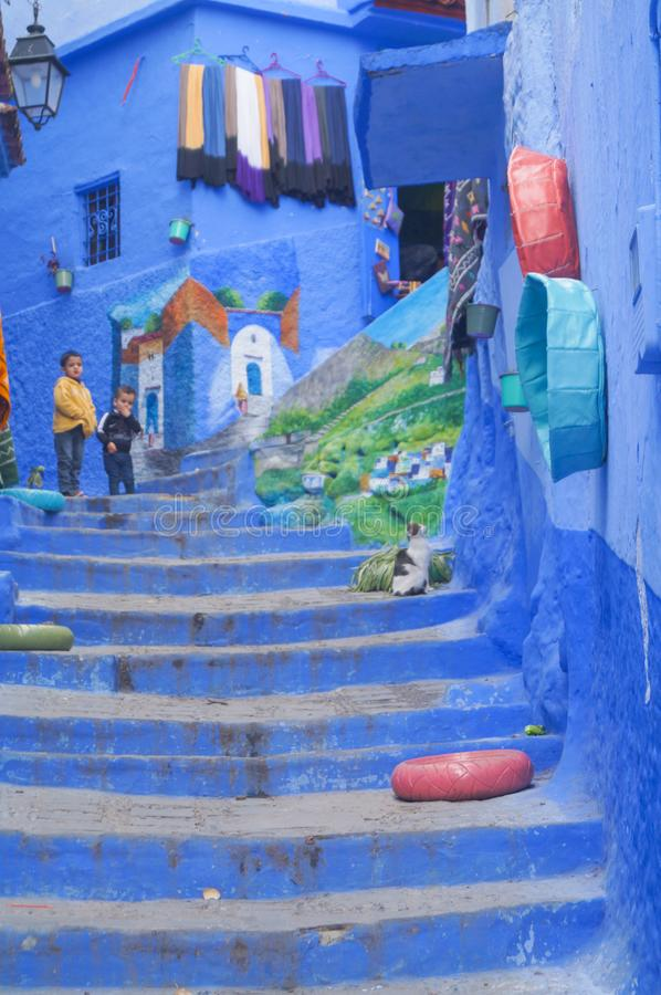 Den blåa staden - Chefchaouen, MoroccoHouses i den berömda blåa staden Chefchaouen arkivbild