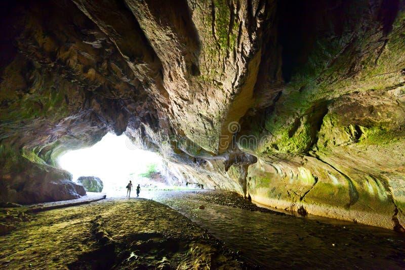 Den Bolii grottan i Rumänien arkivbilder