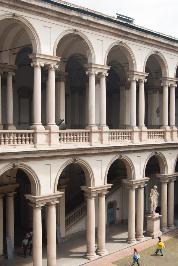 Den Brera byggnaden och Pinacotecaen i Milan Italy royaltyfri fotografi