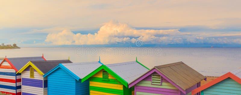 Den Brighton stranden förlägga i barack Australien arkivfoto