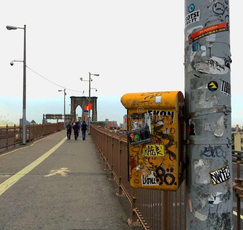 Den Brooklyn bron går royaltyfri fotografi