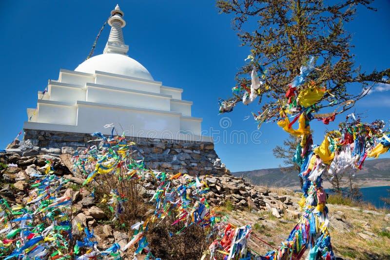Den buddistiska morteln på ön Ogoy arkivbilder