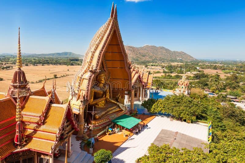 Den buddistiska templet namnger Wat Tham Sua arkivfoton