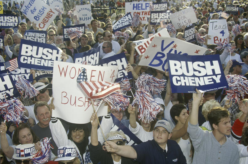 Den Bush/Cheney aktionen samlar i Costa Mesa, CA royaltyfria foton