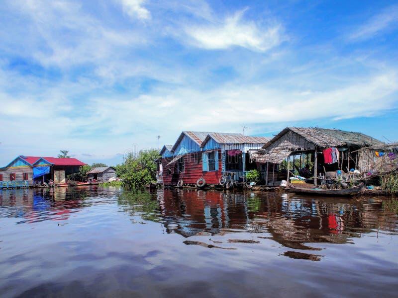 den cambodia laken underminerar tonle royaltyfria foton