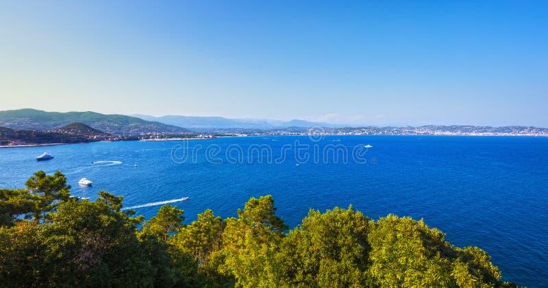 Den Cannes LaNapoule fjärden beskådar Franska Riviera, Azure Coast, Provenc arkivfoto