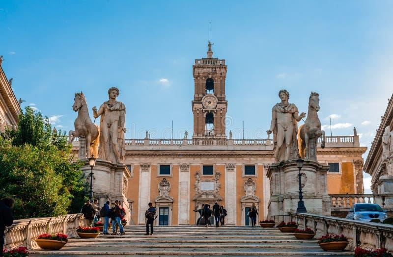 Den Capitoline kullecordonataen i Rome fotografering för bildbyråer