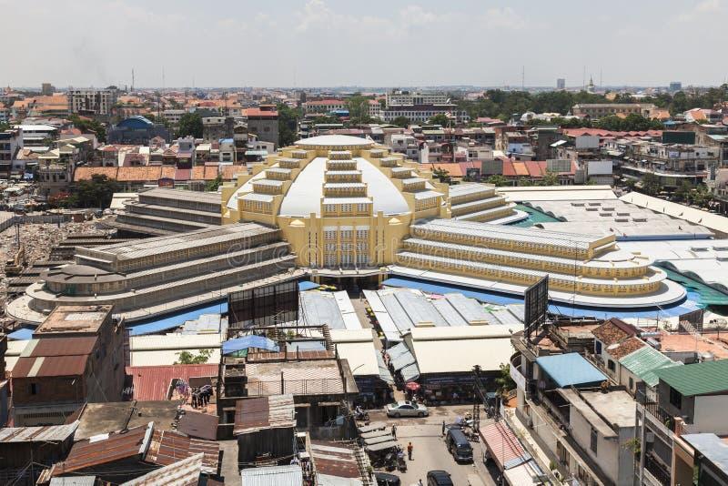 Den centrala marknaden Phsar Thmei i Phnom Penh royaltyfria foton