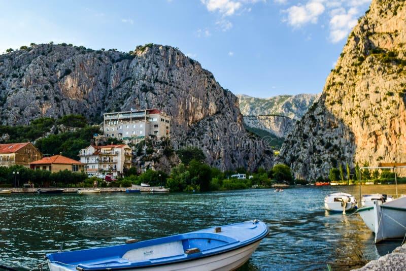 Den Cetina floden fotografering för bildbyråer