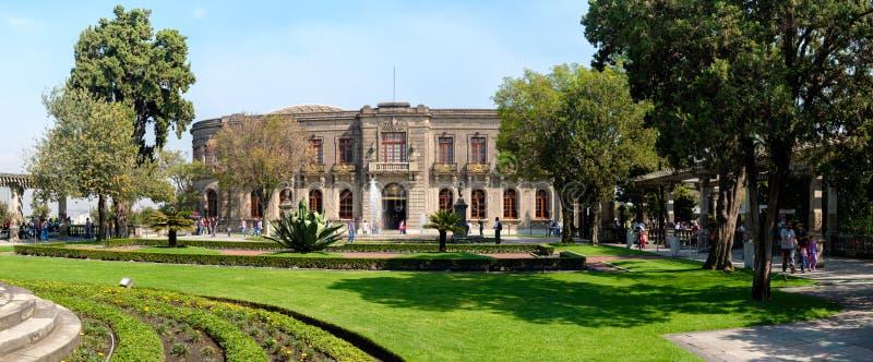 Den Chapultepec slotten, hem av det nationella historiemuseet i Mexico - stad arkivbild