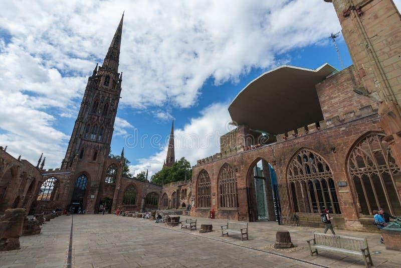 Den Coventry domkyrkakyrkan fördärvar i Coventry UK arkivfoto