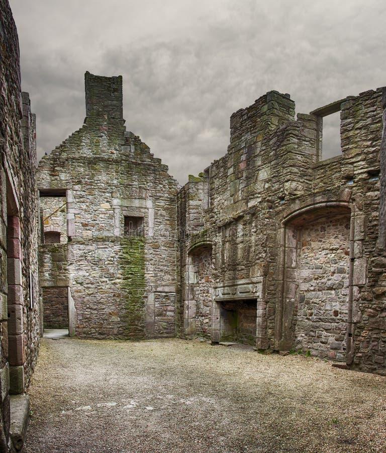 Den Craigmillar slotten fördärvar edinburgh royaltyfri bild