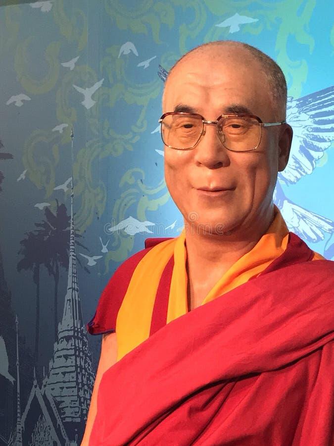 Den Dalai Lama waxworkmodellen royaltyfria bilder