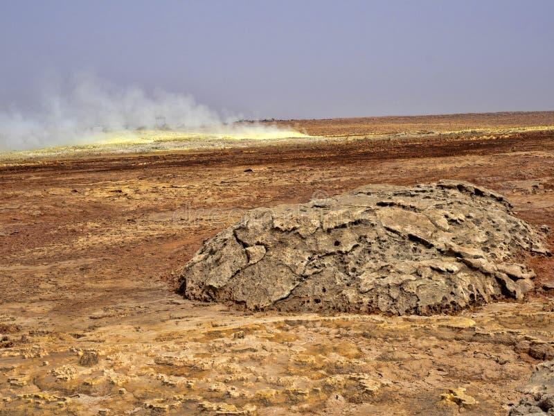 Den Danakil fördjupningen ser som ett landskap på en annan planet ethiopia arkivfoto